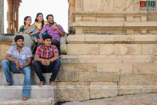 thirupathi-samy-kudumbam-movie-stills-starring-muruganandham-mayilsamy-stills-0004.jpg