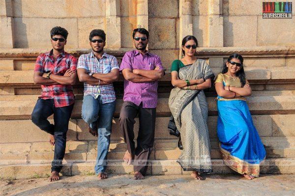 thirupathi-samy-kudumbam-movie-stills-starring-muruganandham-mayilsamy-stills-0005.jpg