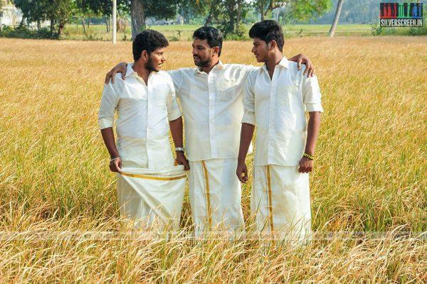 thirupathi-samy-kudumbam-movie-stills-starring-muruganandham-mayilsamy-stills-0011.jpg