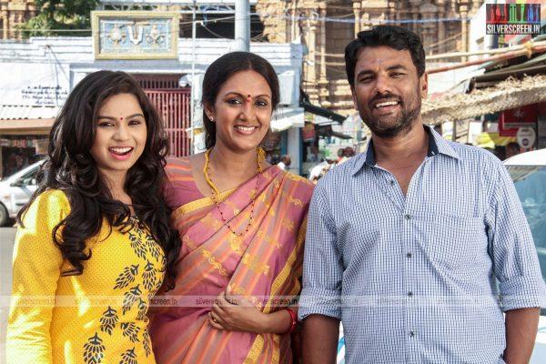 thirupathi-samy-kudumbam-movie-stills-starring-muruganandham-mayilsamy-stills-0016.jpg