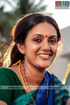 thirupathi-samy-kudumbam-movie-stills-starring-muruganandham-mayilsamy-stills-0017.jpg