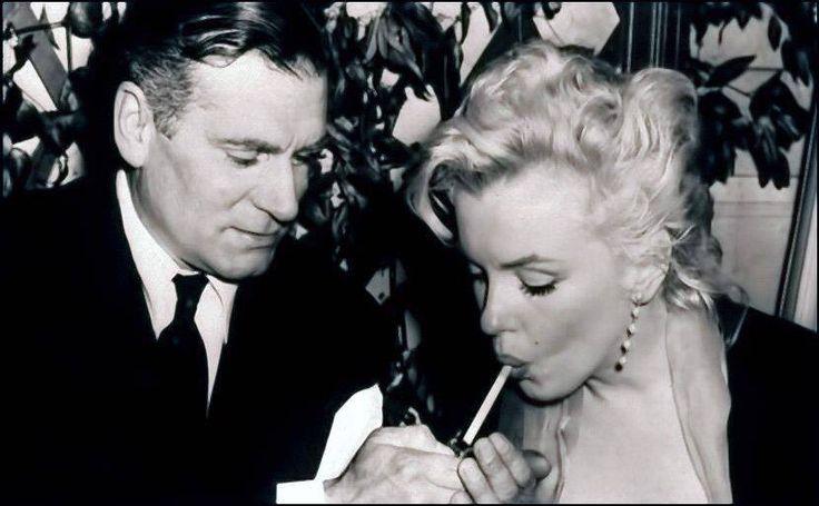 Playboy Founder Hugh Hefner To Be Buried Next To Marilyn ...