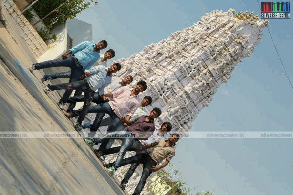 aayirathil-iruvar-movie-stills-starring-vinay-rai-kesha-khambhati-samudhrika-swasthika-others-stills-0004.jpg