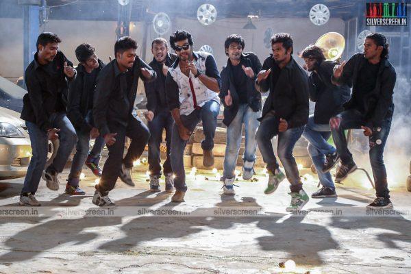 aayirathil-iruvar-movie-stills-starring-vinay-rai-kesha-khambhati-samudhrika-swasthika-others-stills-0008.jpg