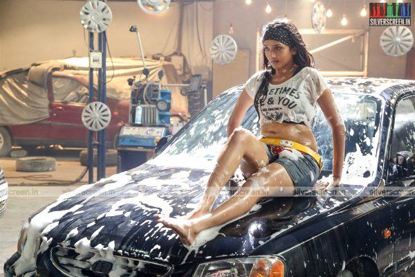 aayirathil-iruvar-movie-stills-starring-vinay-rai-kesha-khambhati-samudhrika-swasthika-others-stills-0011.jpg