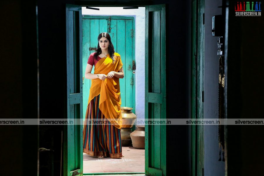 aayirathil-iruvar-movie-stills-starring-vinay-rai-kesha-khambhati-samudhrika-swasthika-others-stills-0014.jpg