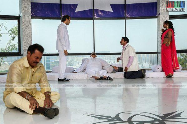 aayirathil-iruvar-movie-stills-starring-vinay-rai-kesha-khambhati-samudhrika-swasthika-others-stills-0026.jpg