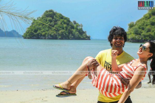 aayirathil-iruvar-movie-stills-starring-vinay-rai-kesha-khambhati-samudhrika-swasthika-others-stills-0031.jpg