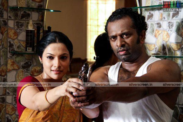 aayirathil-iruvar-movie-stills-starring-vinay-rai-kesha-khambhati-samudhrika-swasthika-others-stills-0036.jpg