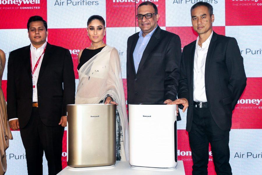New Delhi: Actress Kareena Kapoor at the launch of Honeywell Air Purifiers in New Delhi on Sept 20, 2017. (Amlan Paliwal/IANS)