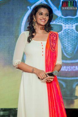 The audio launch of Stone Bench Productions' 'Meyaadha Maan' happened this week. Priya Bhavani Shankar, who is set to make her debut in Tamil cinema, wears the kind of brilliant contrasts that we like. Pic: Sriram Narasimhan
