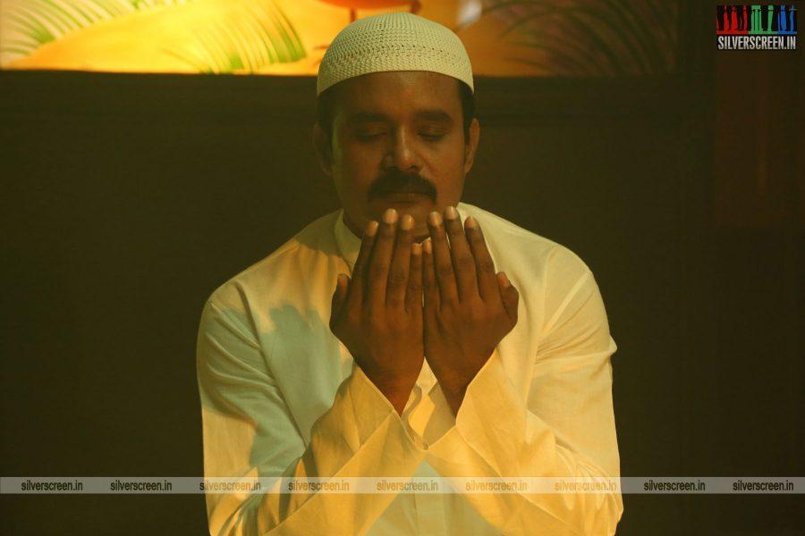 kalavu-thozhirchalai-movie-stills-starring-kathir-vamsi-krishna-others-stills-0002.jpg