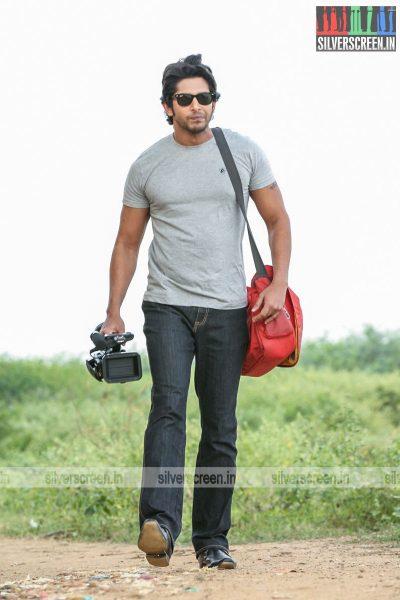 kalavu-thozhirchalai-movie-stills-starring-kathir-vamsi-krishna-others-stills-0018.jpg