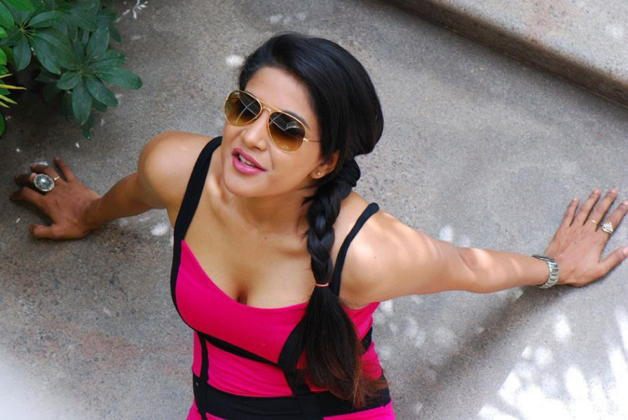 Actress Sakshi Photoshoot stills