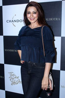 Mumbai: Actress Sonali Bendre during the launch of Manish Malhotra X Chandon Champagne bottles Limited Edition End Of Year 2017 in Mumbai on Oct 9, 2017.(Photo: IANS)