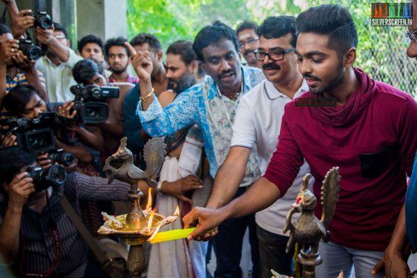 gv-prakash-kumar-and-shalini-pandey-at-100-kadhal-movie-launch-photos-0004.jpg