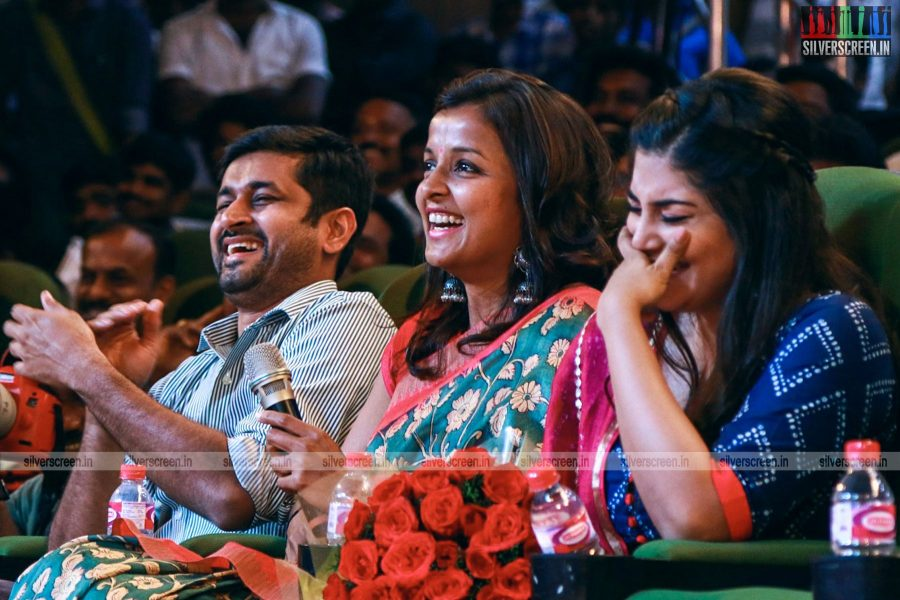 ippadai-vellum-audio-launch-with-udhayanidhi-stalin-manjima-mohan-and-others-photos-0022.jpg