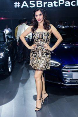 "Mumbai: Singer Sophie Choudry at red carpet of ""Luxury & Fashion As Hello! & Audi"" in Mumbai on Oct 5, 2017.(Photo: IANS)"