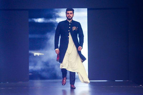 """Mumbai: Actor Arjun Kapoor at red carpet of """"Luxury & Fashion As Hello! & Audi"""" in Mumbai on Oct 5, 2017.(Photo: IANS)"""