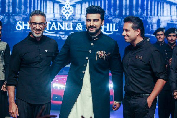 "Mumbai: Actor Arjun Kapoor ,Fashion Designers Shantanu and Nikhil at red carpet of ""Luxury & Fashion As Hello! & Audi"" in Mumbai on Oct 5, 2017.(Photo: IANS)"