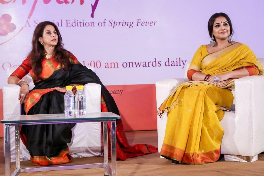 New Delhi: Author-columnist Shobhaa De in conversation with Vidya Balan during the session Zara Sa Jhoom Lu Main of Penguin Fever in New Delhi on, Oct 27, 2017. (Photo: Amlan Paliwal/IANS)
