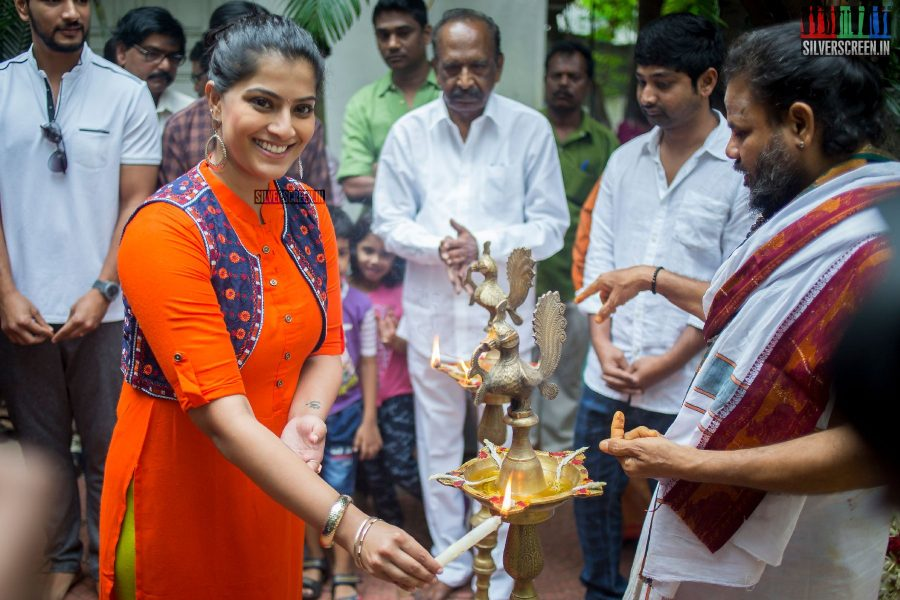 Varalaxmi Sarathkumar at the Mr. Chandramouli Movie Launch