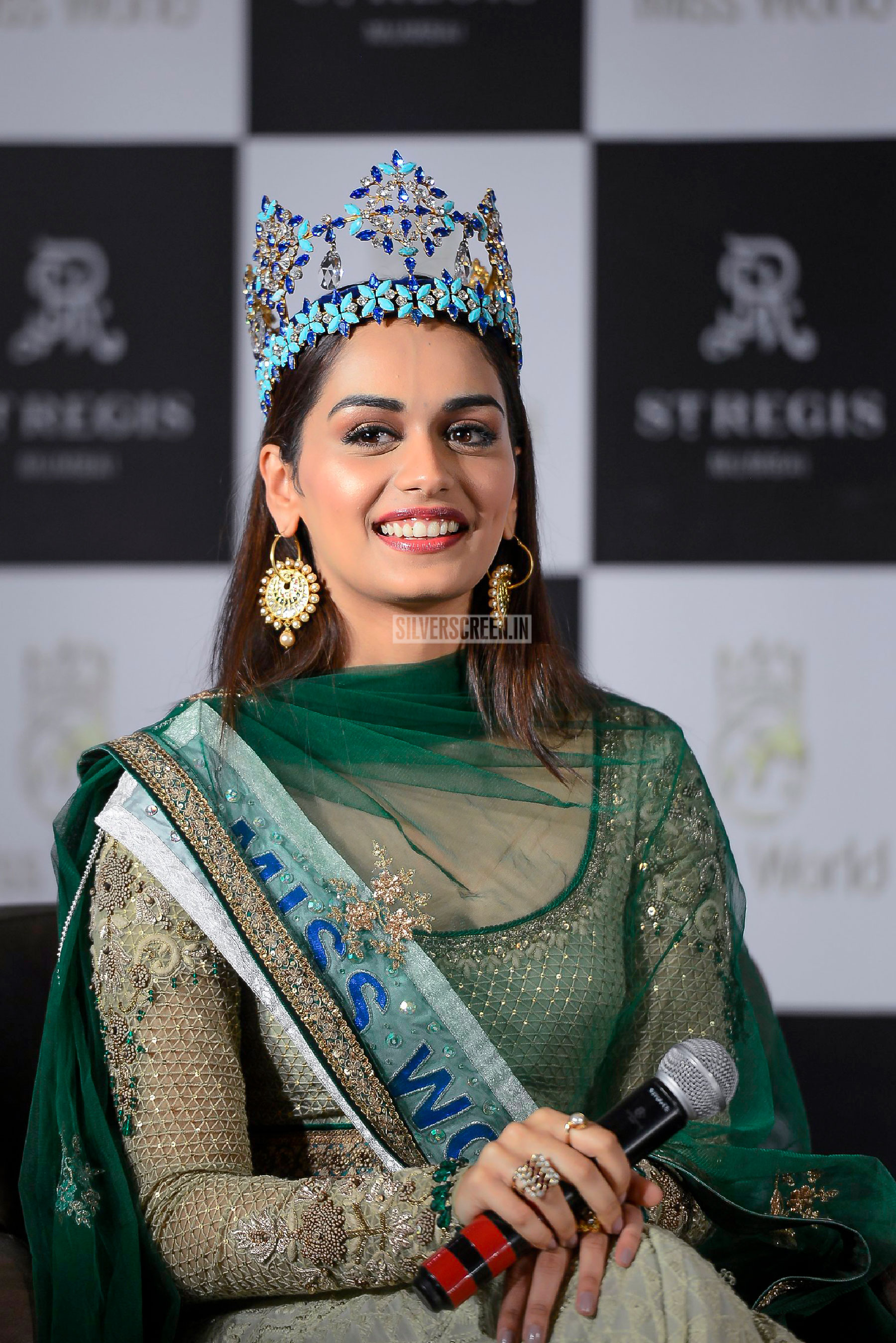 Privacy Policy >> Miss World Manushi Chhillar at a Press Conference | Silverscreen.in