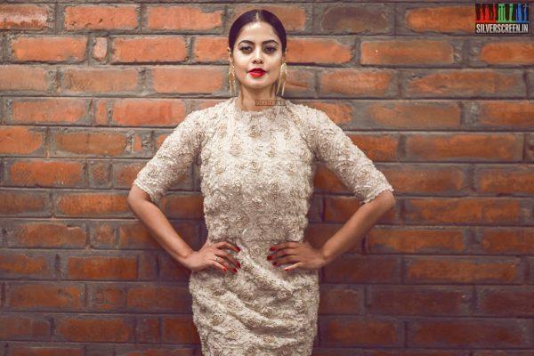 Bindu Madhavi At The Inauguration Of Salon Blow