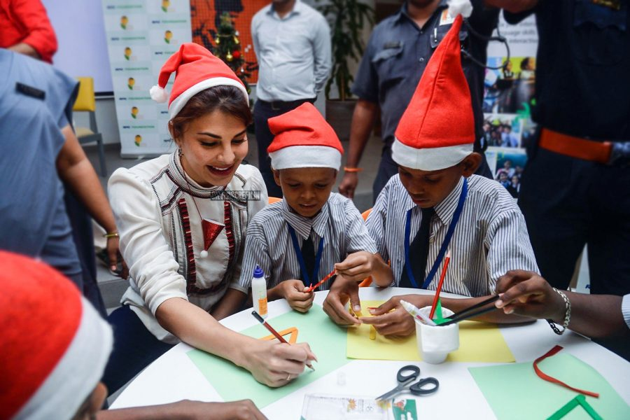 Jacqueline Fernandez Celebrates Christmas With Kids From The NGO Pehlay Akshar