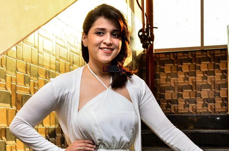 Mannara Chopra At A Restaurant's New Year Eve 2018 Curtain Raiser Event