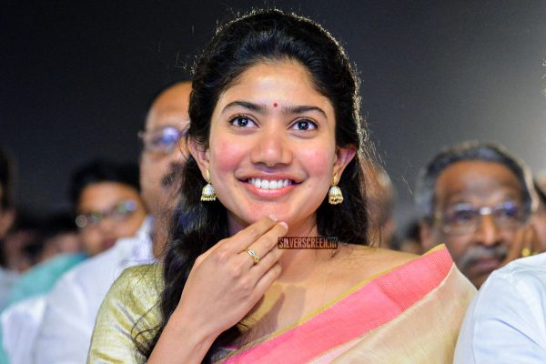 Sai Pallavi At The Middle Class Abbayi Pre Release Event