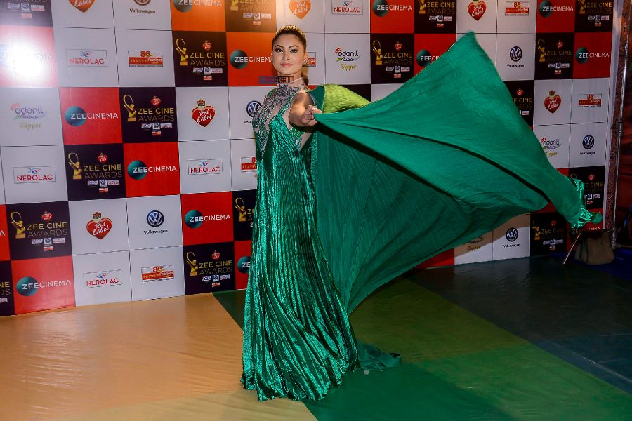 Urvashi Rautela at the Zee Cine Awards 2018