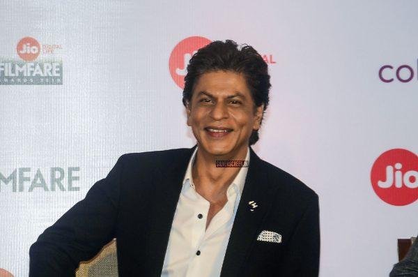 Shah Rukh Khan To Host Jio Filmfare Awards 2018