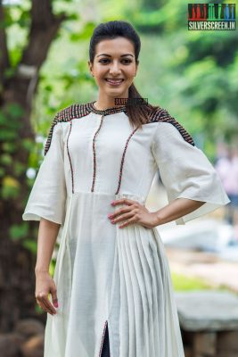 Catherine Tresa At The Kalakalappu 2 Press Meet