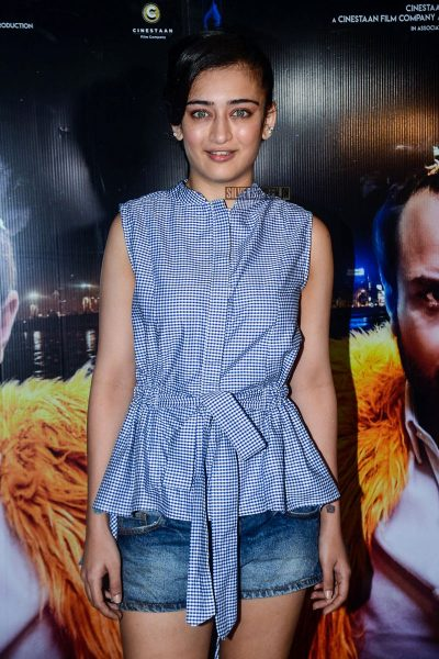 Akshara Haasan At The Kaalakaandi Movie Premiere