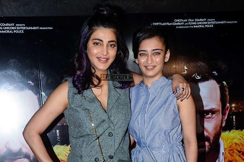 Shruti Haasan, Akshara Haasan At The Kaalakaandi Movie Premiere