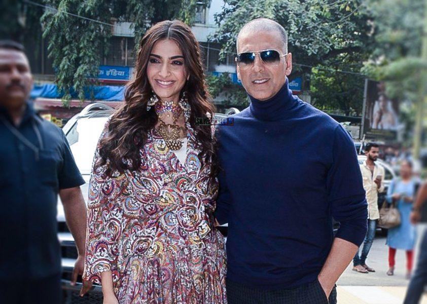 Sonam Kapoor, Akshay Kumar At The Launch Of PadMan Song