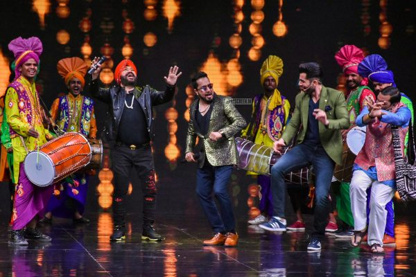 Mika, Daler Mehndi With Shilpa Shetty On The Sets Of Super Dancer 2