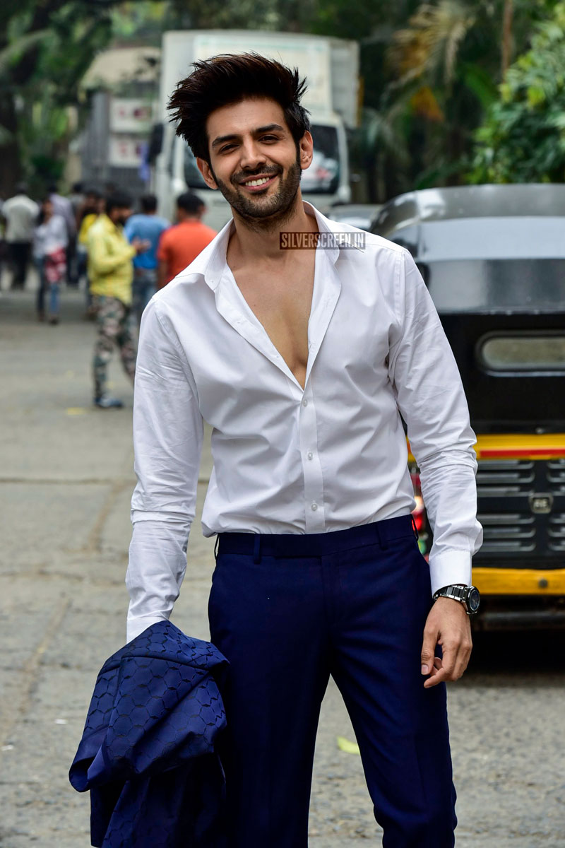 Nushrat Bharucha Kartik Aaryan On The Sets Of India S