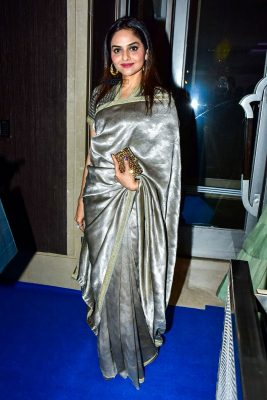 Madhoo At The Hello Hall Of Fame Awards