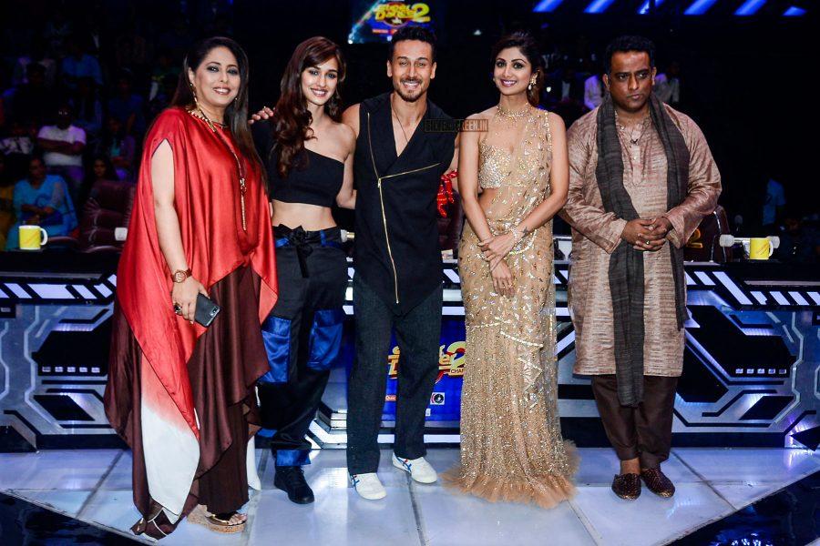 Tiger Shroff, Disha Patani With Shilpa Shetty On Super Dancer 2