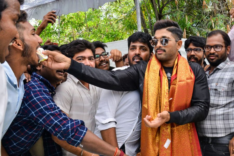 Fans Throng Geetha Arts Office In Hyderabad To Celebrate Allu Arjun's Birthday*