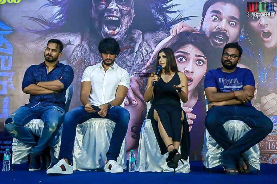 Gautham Karthik, Yaashika Aanand And Others At The Iruttu Araiyil Murattu Kuthu Press Meet