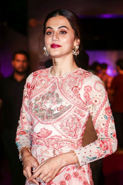 Taapsee Pannu At The Zee Apsara Awards