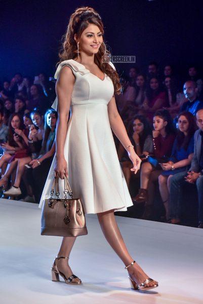 Urvashi Rautela Walk The Ramp At The Bombay Times Fashion Week