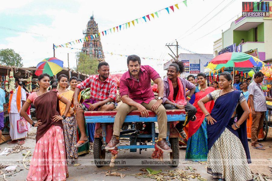 Saamy² Movie Stills Starring Vikram