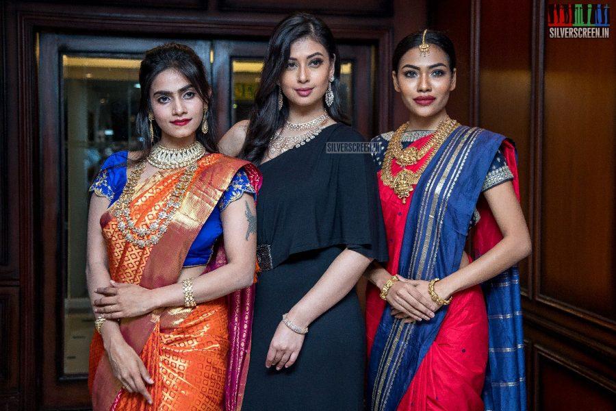 Sameea Bangera, Ayisha Walk The Ramp At Chennai Gem & Jewellery Fair