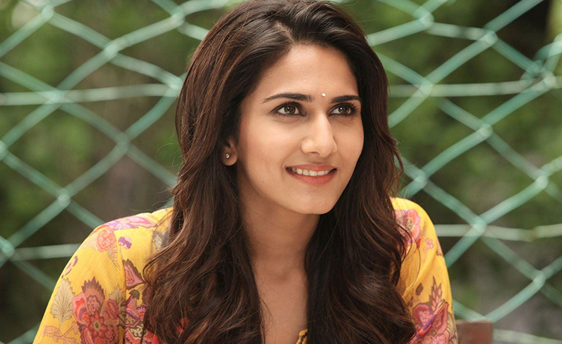 Vaani to sizzle with Ranbir