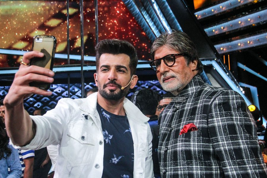 Amitabh Bachchan And Rishi Kapoor On The Sets Of Dance India Dance Lil' Masters