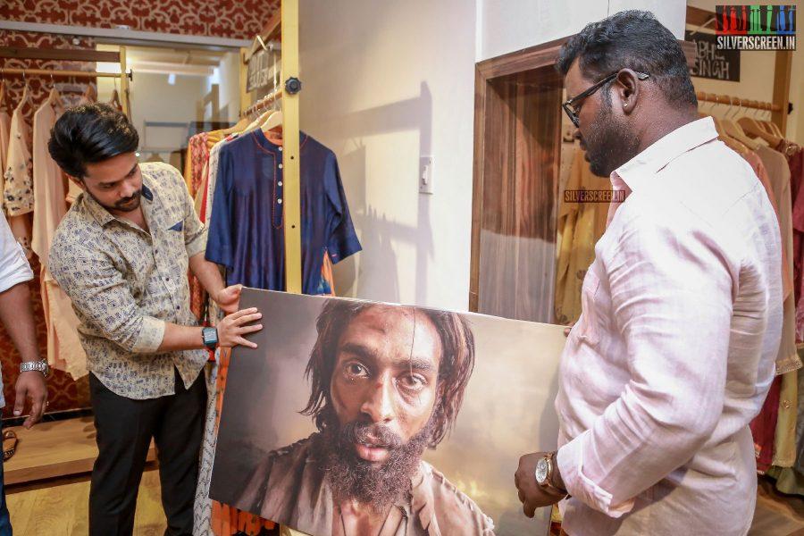 Arav & Suaja Varunee At The Inauguration Of Photo Exhibition
